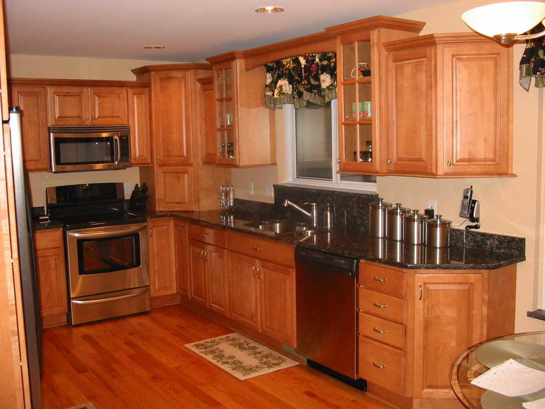 Maple Cabinets. Full resolution‎  pic, nominally Width 1066 Height 800 pixels, pic with #B34711.