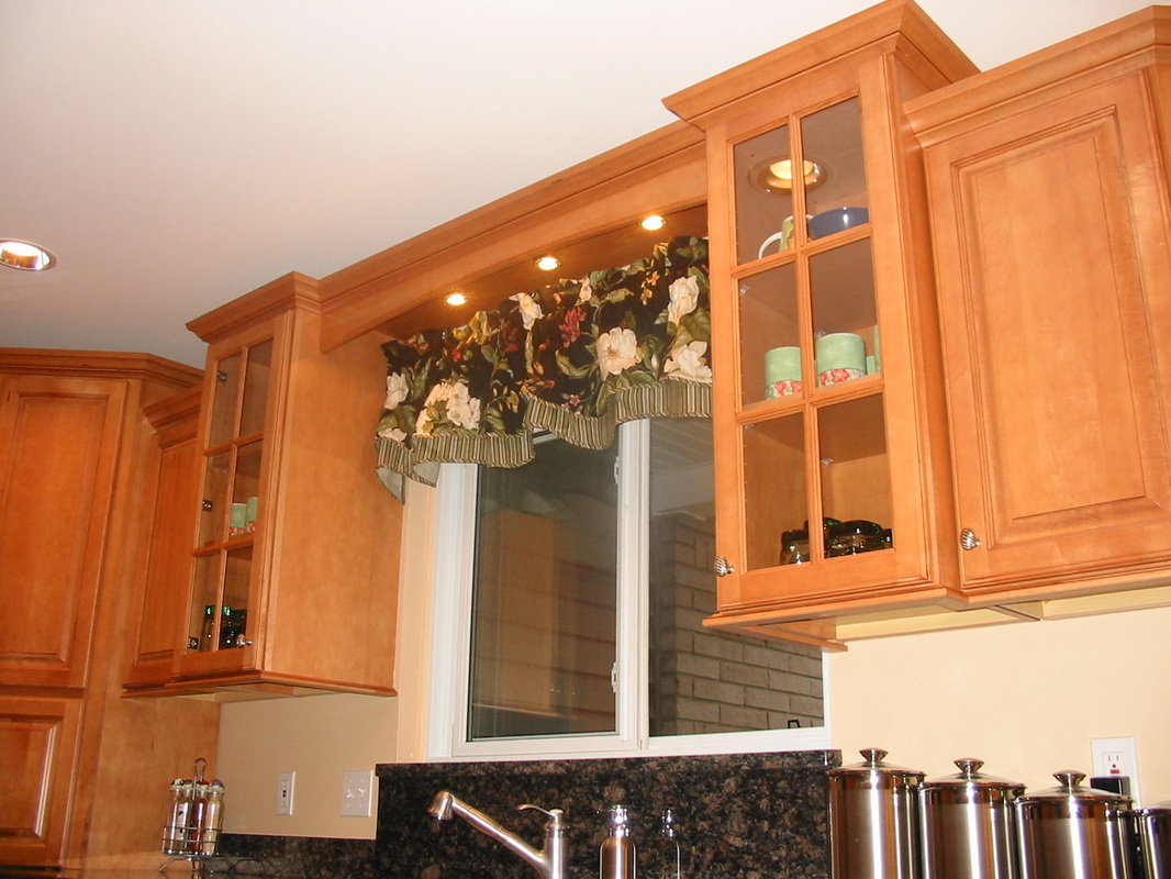 Photos  Kitchens with Painted, Maple, or Rustic Alder cabinets